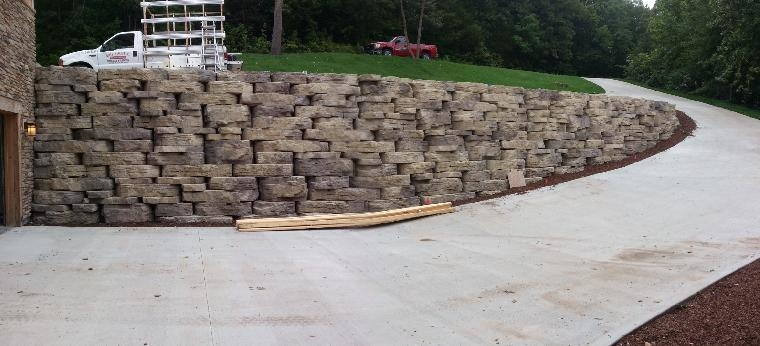 Rosetta Outcropping Retaining Wall.