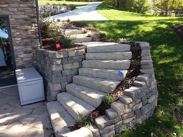 Rosetta Dimensional Steps and Bellevedere Retaining Wall as entry to lower Patio Area